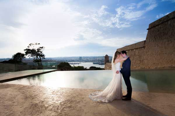 Karina-and-Tom Wedding in Malta by the pool